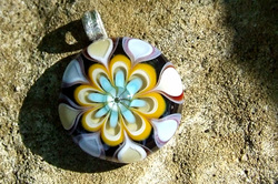 Cabochon Glass Pendant - Flower Design
