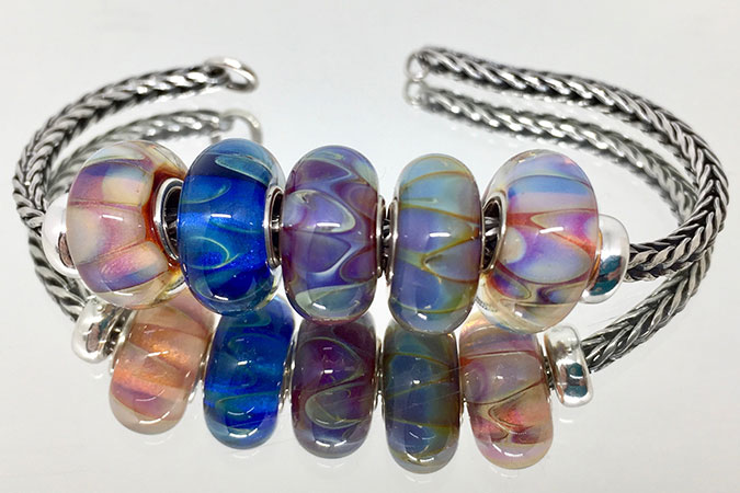 Double Helix glass beads with silver core